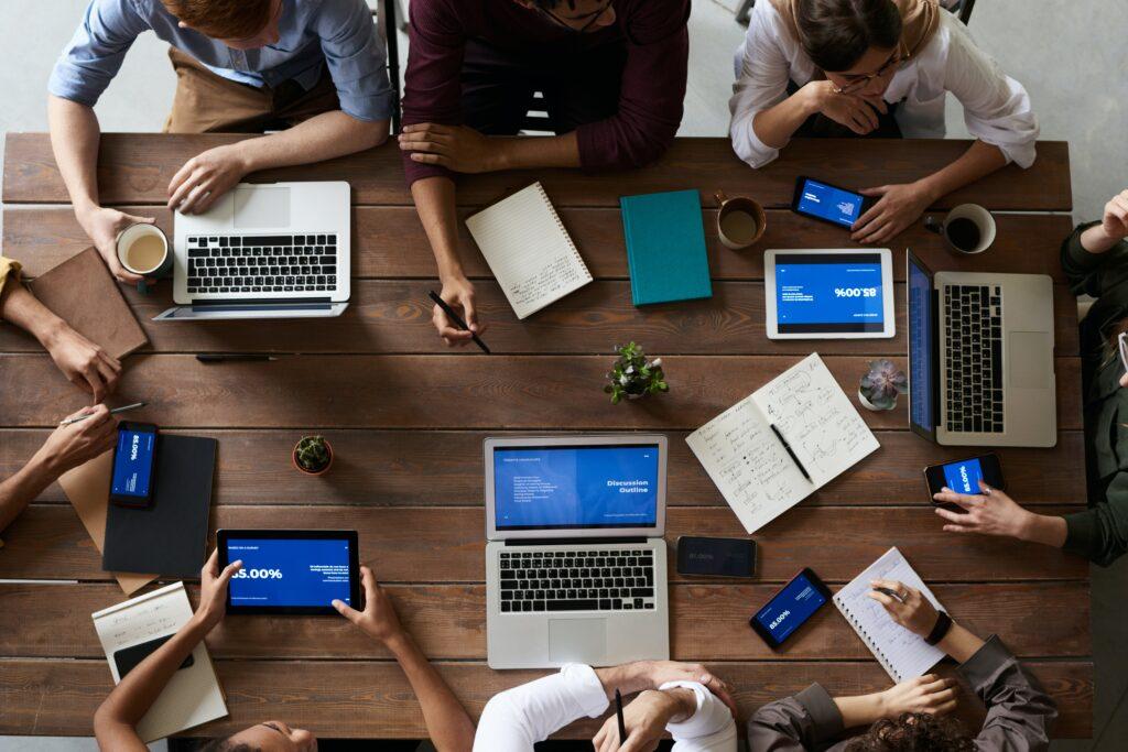 Les 5 S du marketing digital:  Servez